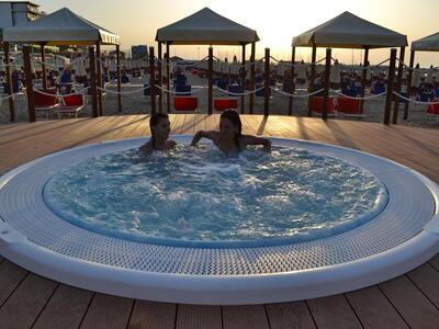 nordesthotel it offerta-notte-rosa-a-gabicce-in-hotel-4-stelle-con-piscina 021