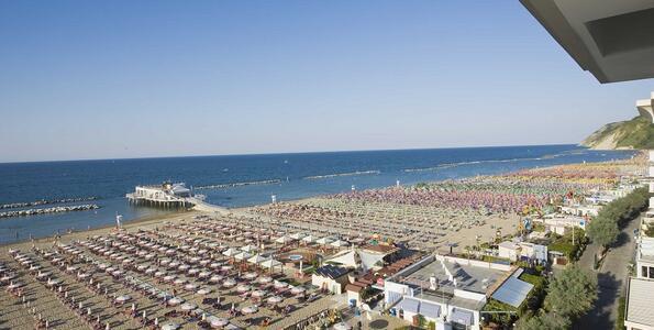 nordesthotel it offerta-di-giugno-a-gabicce-mare-in-hotel-4-stelle-con-piscina 013