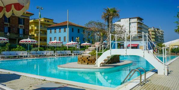 nordesthotel it offerta-all-inclusive-hotel-a-gabicce-con-piscina 014