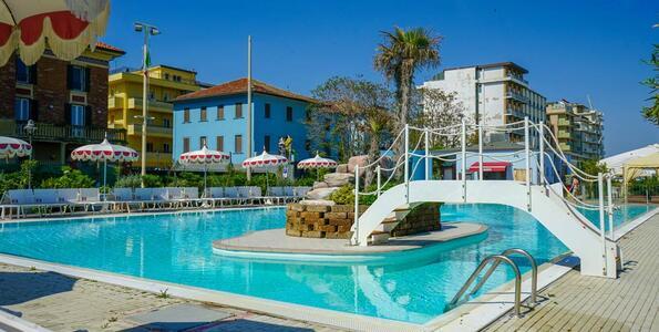 nordesthotel it offerta-di-giugno-a-gabicce-mare-in-hotel-4-stelle-con-piscina 014