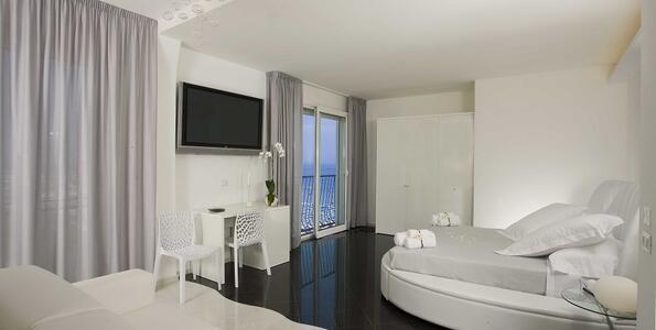 nordesthotel it offerta-speciale-di-agosto-hotel-gabicce-mare-con-piscina-e-spiaggia-privata 012