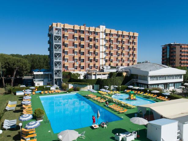 hotelpuntanord it speciale-2-giugno-a-rimini-in-villaggio-sul-mare 011