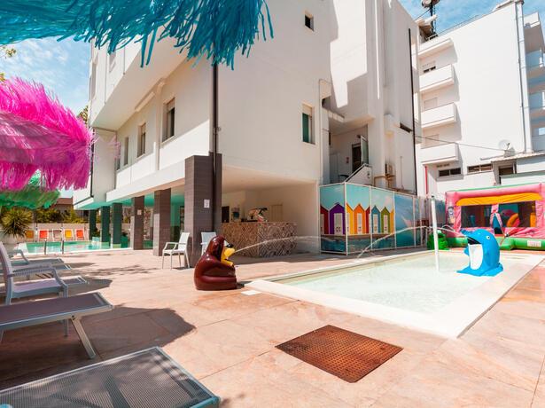 hotelmetropolitan it last-minute-hotel-cesenatico-per-famiglie-con-piscina-e-animazione 010