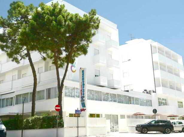 hotelmetropolitan it offerta-giugno-hotel-cesenatico-con-piscina-riscaldata-e-spiaggia 011