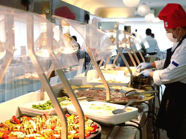 hotelmetropolitan it offerta-vacanze-brevi-agosto-in-hotel-con-piscina-a-cesenatico 011