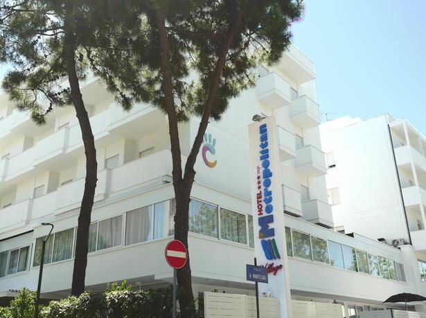 hotelmetropolitan it vacanze-brevi-di-settembre-in-hotel-a-cesenatico-con-piscina-e-free-bar 009