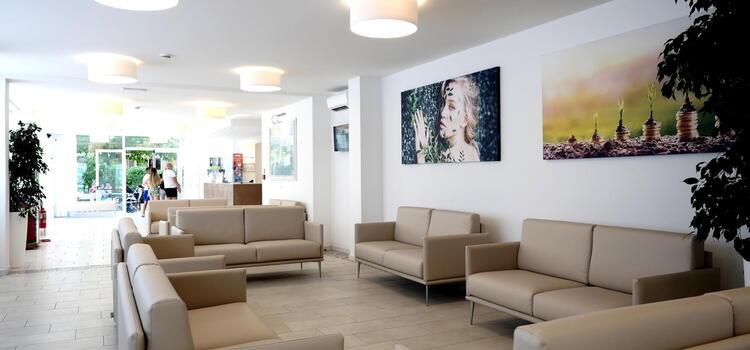 hotelmetropolitan de angebot-fuer-kurzurlaub-im-august-im-hotel-mit-pool-in-cesenatico 007