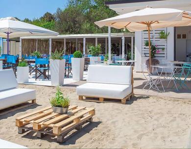 hotelkingmarte it vacanze-brevi-di-settembre-in-hotel-a-lido-di-classe-con-piscina-e-spiaggia 017