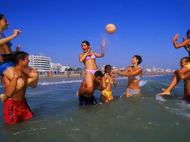 greenvillagecesenatico it offerta-vacanza-breve-di-settembre-in-hotel-a-cesenatico-con-piscina-e-spiaggia 016