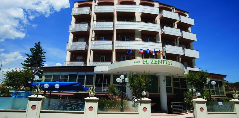 hotelzenith.unionhotels it speciale-luglio-in-vacanza-a-cervia-con-spiaggia-compresa-e-animazione 013