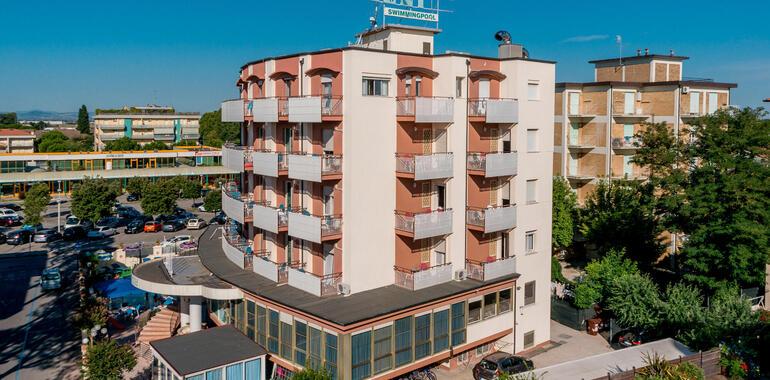 unionhotels it primo-maggio-e-400-festival-internazionale-dell-aquilone-a-pinella-di-cervia 008