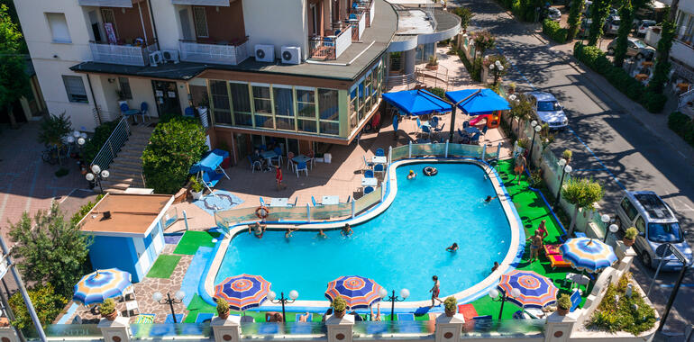 hotelzenith.unionhotels fr offre-week-end-avec-entree-parc-en-cadeau-a-l-hotel-a-pinarella-di-cervia 010