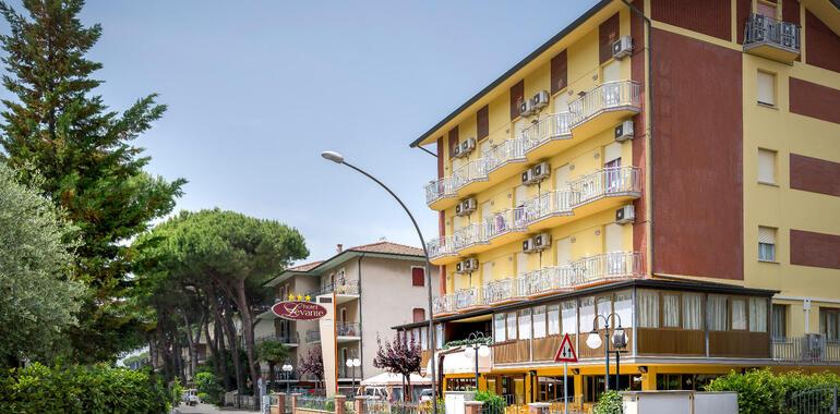 unionhotels it offerta-agosto-hotel-pinarella-di-cervia-con-piscina-e-spiaggia-inclusa 008
