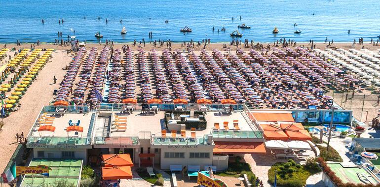 unionhotels it pasqua-a-mirabilandia-speciale-promozione-con-mezza-pensione-e-biglietti-parchi-inclusi 012