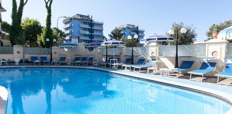 hotelzenith.unionhotels it offerta-agosto-a-pinarella-di-cervia-bambini-gratis-e-spiaggia-inclusa 011