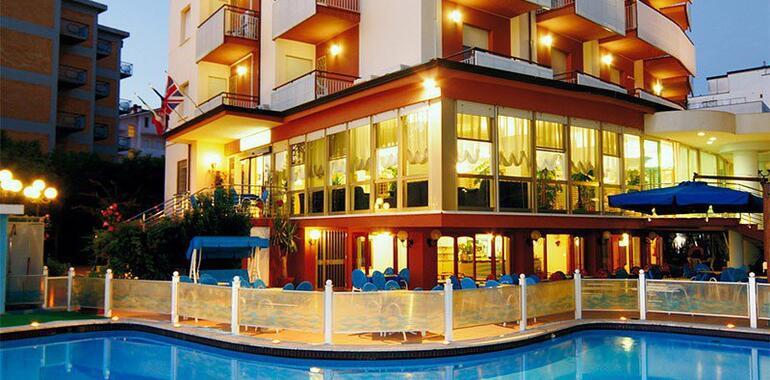 hotelzenith.unionhotels it weekend-sul-mare-della-romagna-con-cena-in-hotel-a-pinarella-di-cervia 012