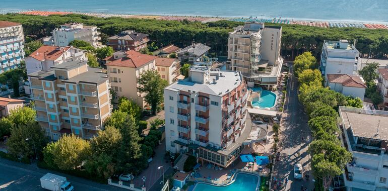 unionhotels it offerta-agosto-in-hotel-3-stelle-al-mare-con-piscina-a-pinarella-di-cervia 012