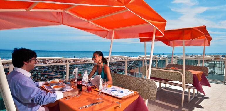 unionhotels it offerta-vacanze-di-luglio-al-mare-all-inclusive-in-3-stelle-a-pinarella-di-cervia 010