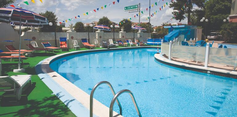 unionhotels it offera-settembre-in-riva-al-mare-all-hotel-levante-a-pinarella-di-cervia 009