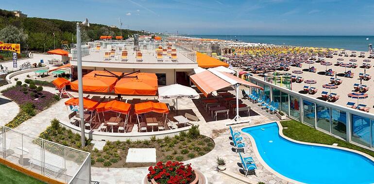 unionhotels it speciale-notte-rosa-in-hotel-3-stelle-vicino-al-mare-a-pinarella-di-cervia 010
