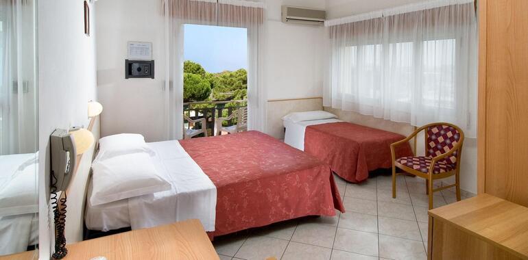 hotelzenith.unionhotels it offerta-per-ciclisti-a-pinarella-di-cervia-con-colazione-anticipata-idromassaggio-e-deposito-bici 013
