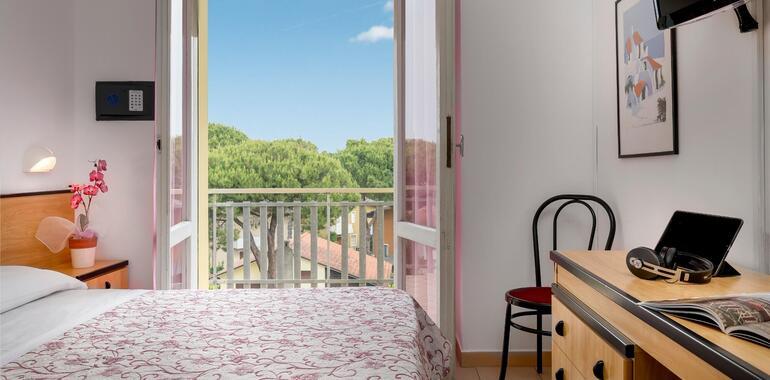 unionhotels it offerta-agosto-hotel-pinarella-di-cervia-con-piscina-e-spiaggia-inclusa 009