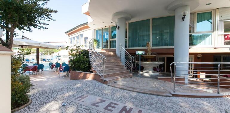 unionhotels it offerta-vacanze-di-luglio-al-mare-all-inclusive-in-3-stelle-a-pinarella-di-cervia 008