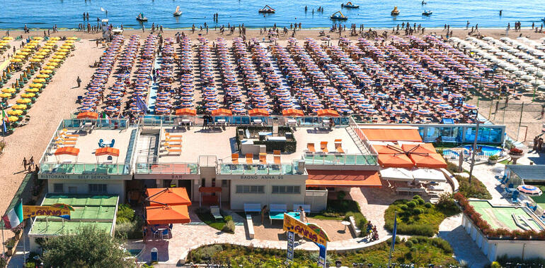 unionhotels en offer-for-august-at-3-star-seaside-hotel-with-pool-in-pinarella-di-cervia 010