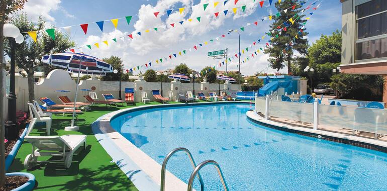 unionhotels it offerta-luglio-in-vacanza-a-pinarella-di-cervia-con-spiaggia-gratis 012