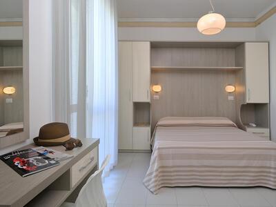 hsuisse it offerta-settembre-e-ottobre-soggiorno-in-hotel-convenzionato-con-le-terme-a-milano-marittima 019
