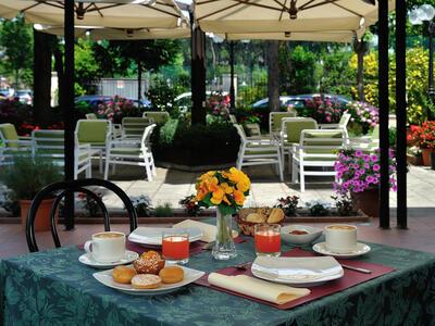 hsuisse it offerta-luglio-in-hotel-3-stelle-vicino-al-mare-a-milano-marittima-cervia 013