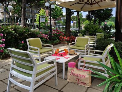 hsuisse it offerta-agosto-in-hotel-vicino-al-mare-a-milano-marittima-cervia 011