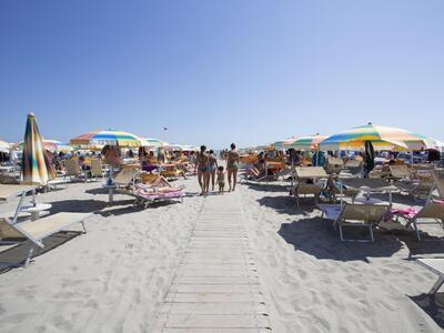 hsuisse it offerta-luglio-in-hotel-3-stelle-vicino-al-mare-a-milano-marittima-cervia 010