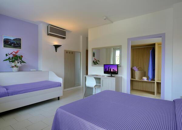 hsuisse it prenota-prima-e-risparmia-per-le-tue-vacanze-al-mare-in-hotel-3-stelle-a-milano-marittima 012