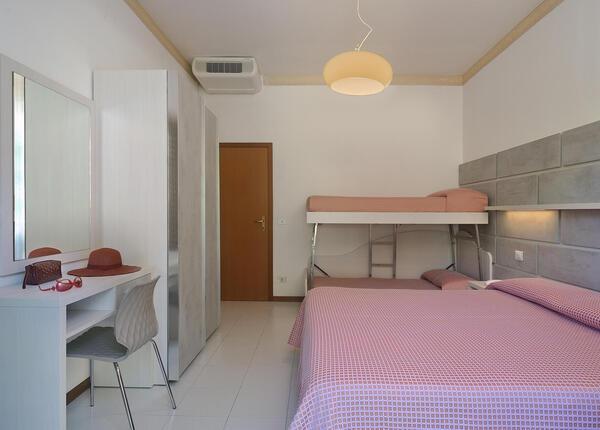 hsuisse it offerta-settembre-in-hotel-vicino-al-mare-a-milano-marittima-cervia 009
