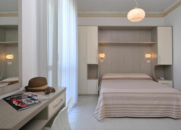 hsuisse it offerta-settembre-e-ottobre-soggiorno-in-hotel-convenzionato-con-le-terme-a-milano-marittima 014