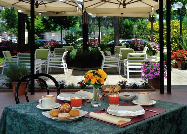 hsuisse it offerta-luglio-in-hotel-3-stelle-vicino-al-mare-a-milano-marittima-cervia 008