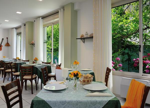 hsuisse it offerta-pasqua-vacanze-al-mare-in-hotel-3-stelle-a-milano-marittima 015