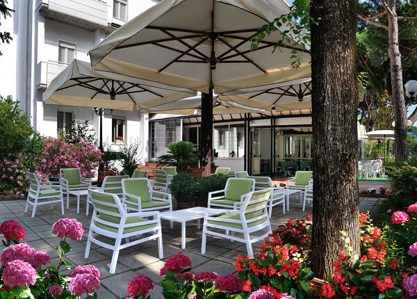 hsuisse it speciale-nove-colli-con-soggiorno-al-mare-in-hotel-a-milano-marittima 014