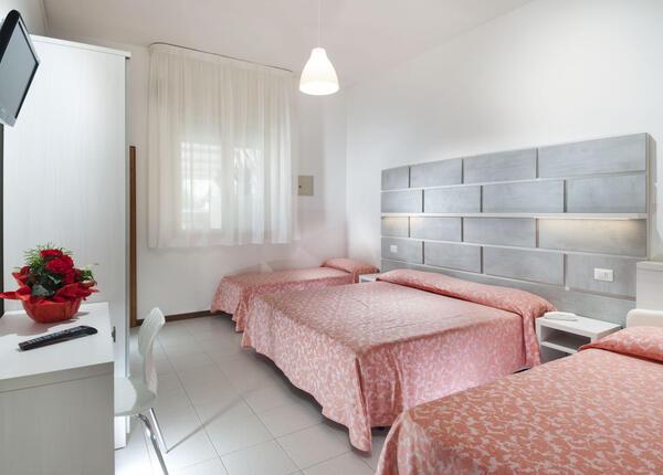 hsuisse it week-end-d-autunno-in-hotel-3-stelle-a-milano-marittima-con-entrata-gratuita-ai-parchi-divertimenti 014