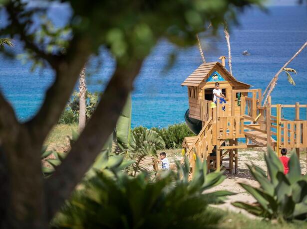 borgodonnacanfora it offerta-coppie-resort-capo-vaticano-sul-mare-con-piscina-e-aperitivo-omaggio 006