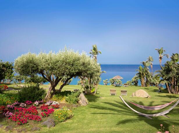 borgodonnacanfora it offerta-coppie-resort-capo-vaticano-sul-mare-con-piscina-e-aperitivo-omaggio 003