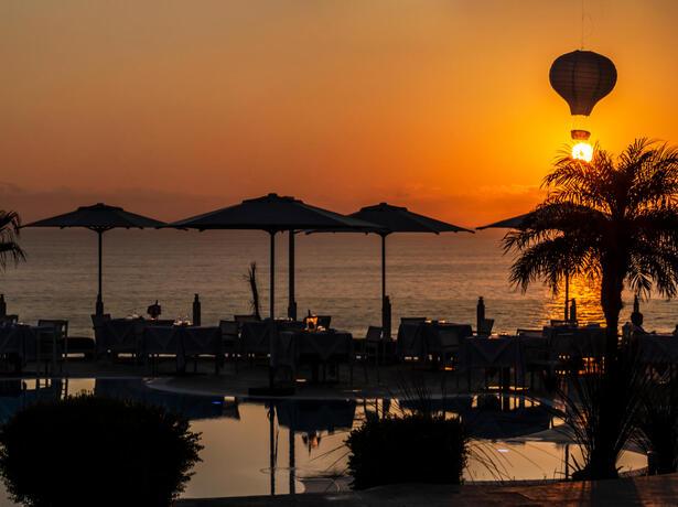 borgodonnacanfora it offerta-coppie-resort-capo-vaticano-sul-mare-con-piscina-e-aperitivo-omaggio 005