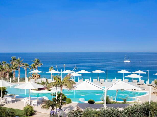 borgodonnacanfora it offerta-settembre-ottobre-villaggio-calabria-capo-vaticano-sul-mare-con-piscina 002