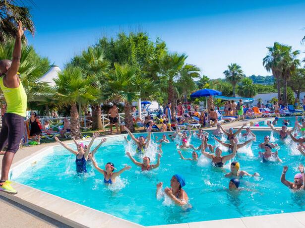 holidayfamilyvillage it offerta-residence-porto-sant-elpidio-con-piscina-e-spiaggia 014