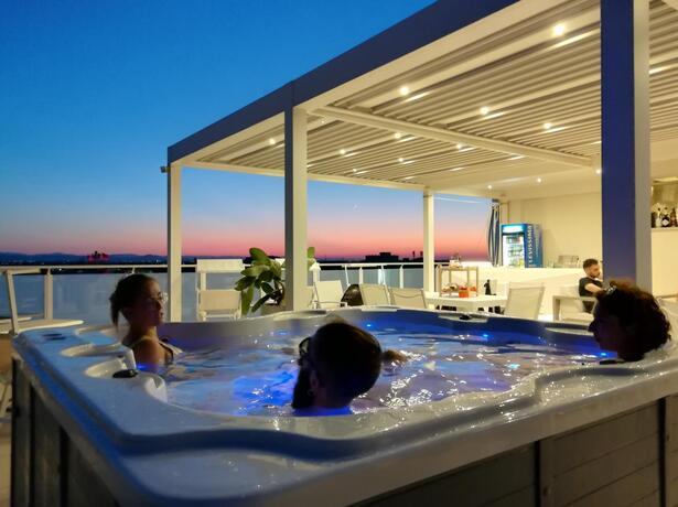 hotelesplanadecesenatico en special-offer-for-august-by-hotel-near-the-sea-in-cesenatico 015