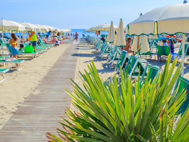 hotelesplanadecesenatico it speciale-agosto-in-hotel-vicino-al-mare-a-cesenatico 011