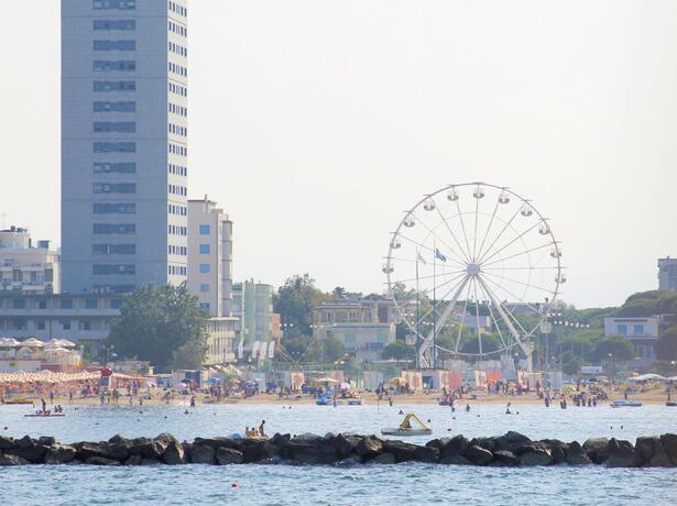 hotelesplanadecesenatico en all-inclusive-week-in-july-in-hotel-for-families-in-cesenatico 017