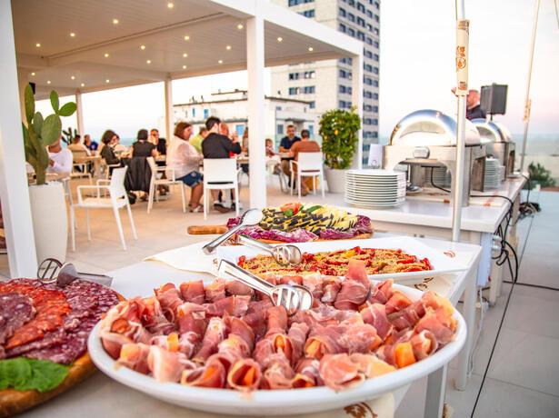 hotelnewcastlecesenatico it speciale-over-60-in-hotel-al-mare-a-cesenatico 013
