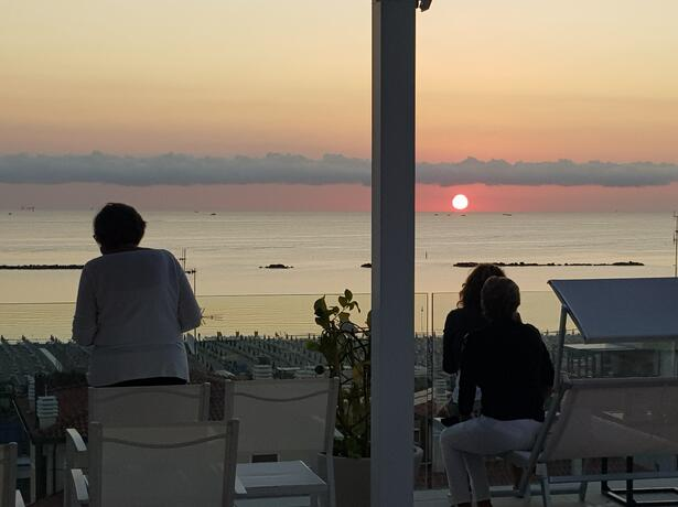 hotelnewcastlecesenatico it offerta-settembre-in-hotel-vicino-al-mare-a-cesenatico 012